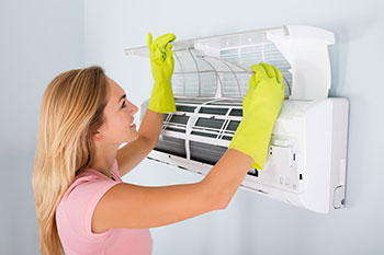 Energy saving tips to lower your heating and cooling bills.